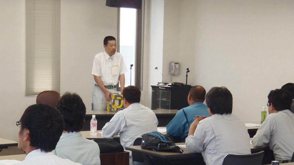 小林労働安全コンサルタントの講習の様子
